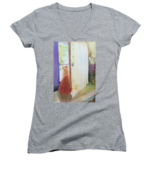 Muffin At Window Women's V-Neck T-Shirt