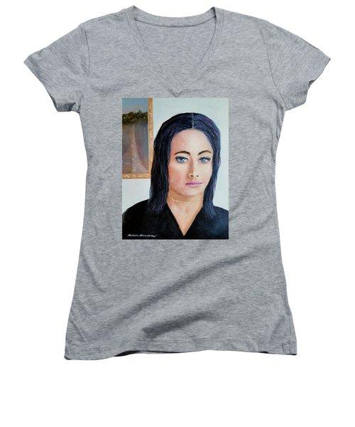 Museum Memory Women's V-Neck T-Shirt