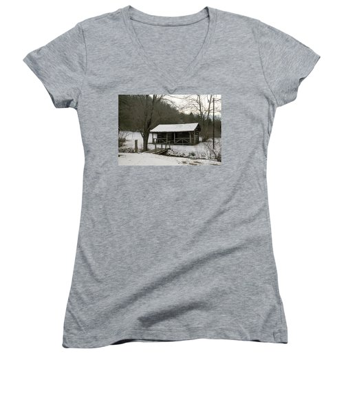 My Lil Cabin Home On The Hill In Winter Women's V-Neck T-Shirt