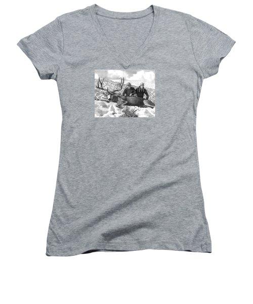Navada Hunt 2015 Women's V-Neck T-Shirt (Junior Cut) by Peter Piatt