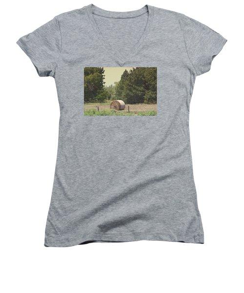 Nebraska Farm Life - Hay Bail Women's V-Neck (Athletic Fit)