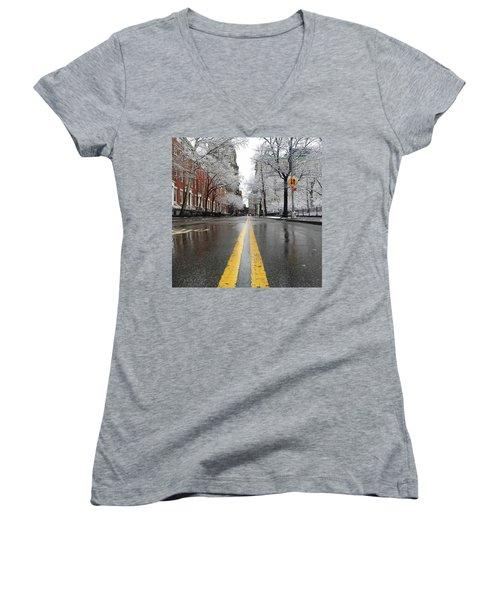 New York 1st Snow Women's V-Neck T-Shirt