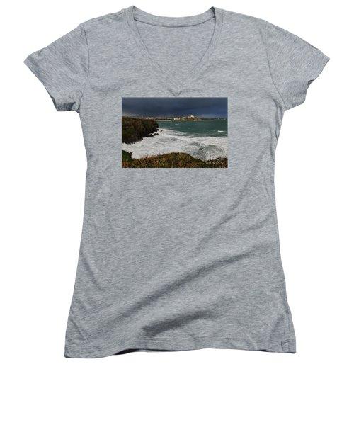 Newquay Squalls On Horizon Women's V-Neck T-Shirt (Junior Cut) by Nicholas Burningham