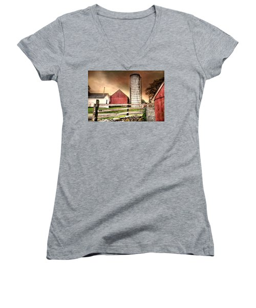 The Newtown Silo Women's V-Neck (Athletic Fit)