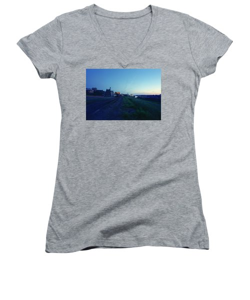 Night Moves On The Mississippi Women's V-Neck T-Shirt (Junior Cut) by Jan W Faul
