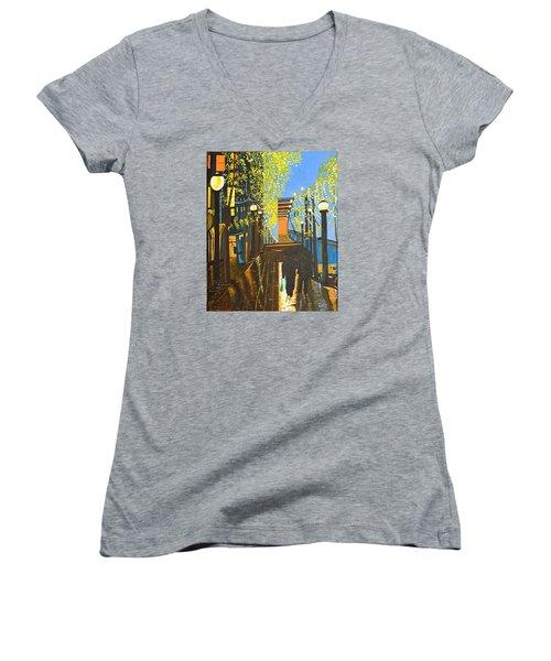 Nuit De Pluie Women's V-Neck T-Shirt