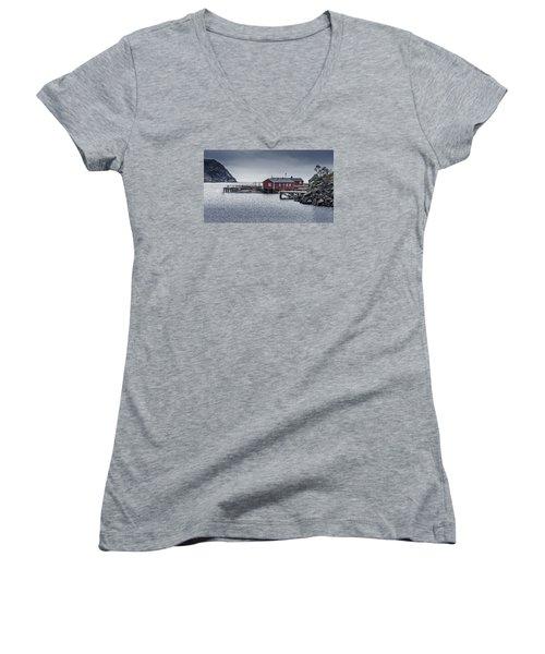 Nusfjord Rorbu Women's V-Neck T-Shirt
