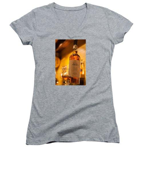 Oban Whisky Women's V-Neck T-Shirt