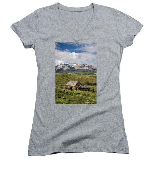 Old Barn And Wilson Peak Vertical Women's V-Neck