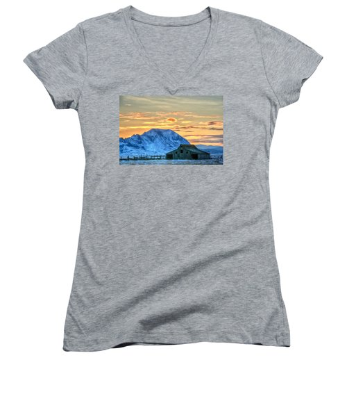Women's V-Neck featuring the photograph Old Barn by Fiskr Larsen