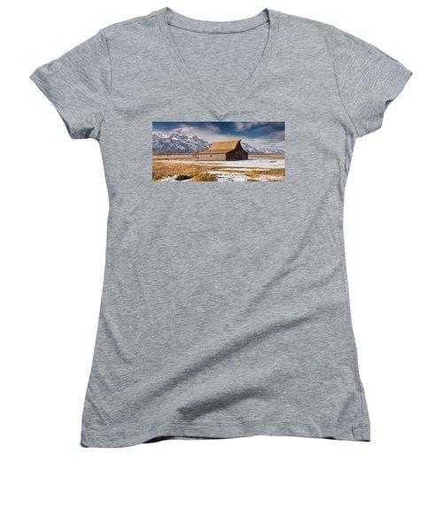 Old Barn Women's V-Neck T-Shirt