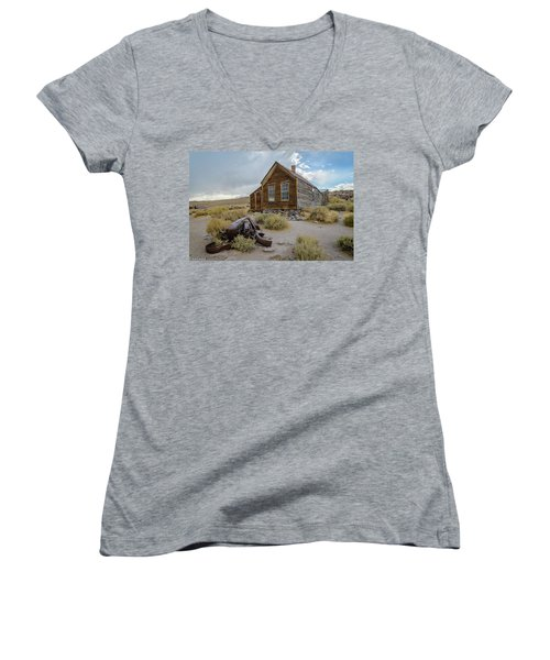 Old Bodie House II Women's V-Neck
