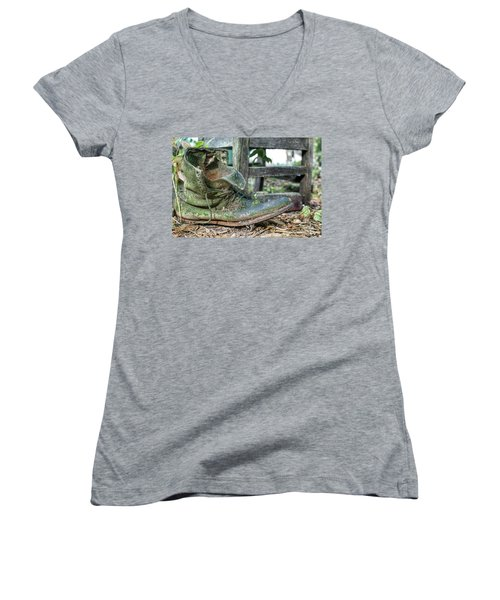 Old Boot Women's V-Neck (Athletic Fit)