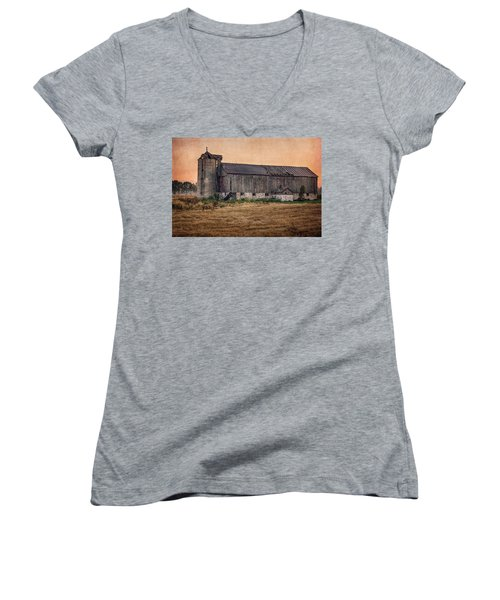 Old Country Barn Women's V-Neck