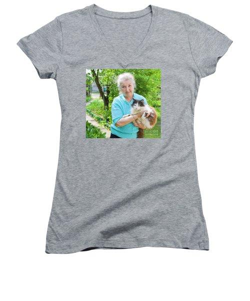 Old Lady With Cat Women's V-Neck T-Shirt (Junior Cut) by Irina Afonskaya