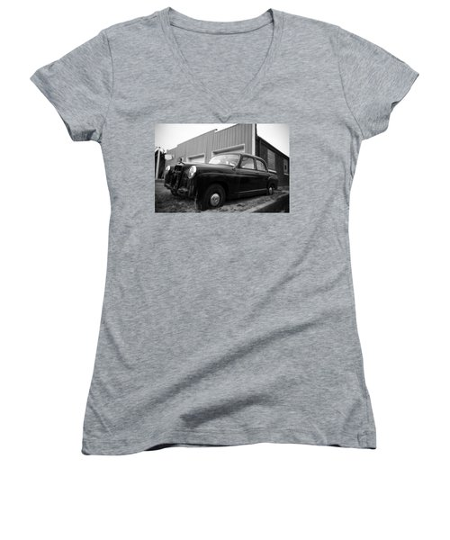 Old Mercedes Sitting At The Shop Women's V-Neck T-Shirt (Junior Cut) by Janice Adomeit