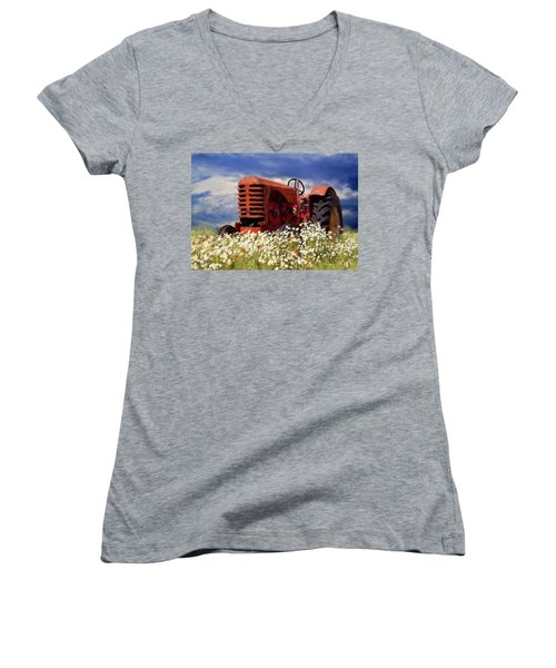 Old Red Tractor Women's V-Neck T-Shirt