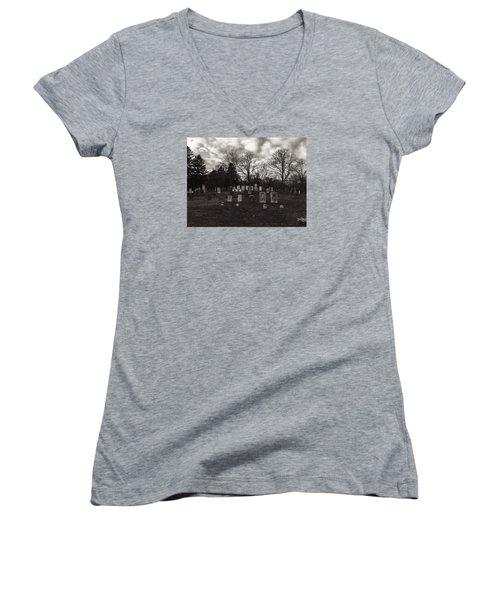 Old Town Cemetery , Sandwich Massachusetts  Women's V-Neck T-Shirt