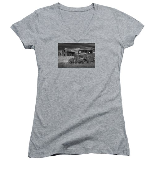 Old Vintage Pickup In Black And White By An Abandoned Farm House Women's V-Neck