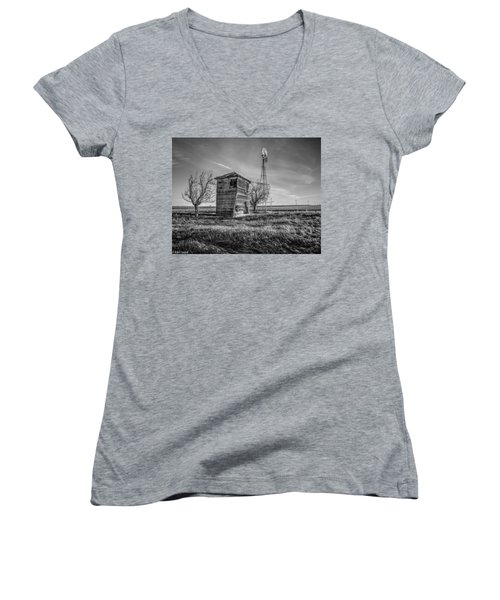 Old Windpump Women's V-Neck T-Shirt