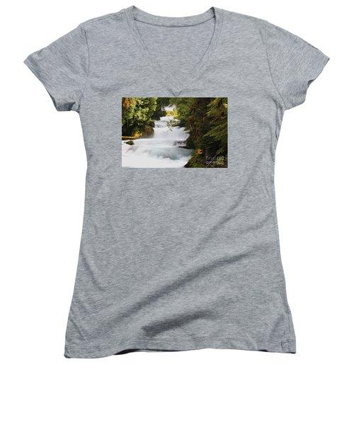 Oregon Cascade Women's V-Neck T-Shirt