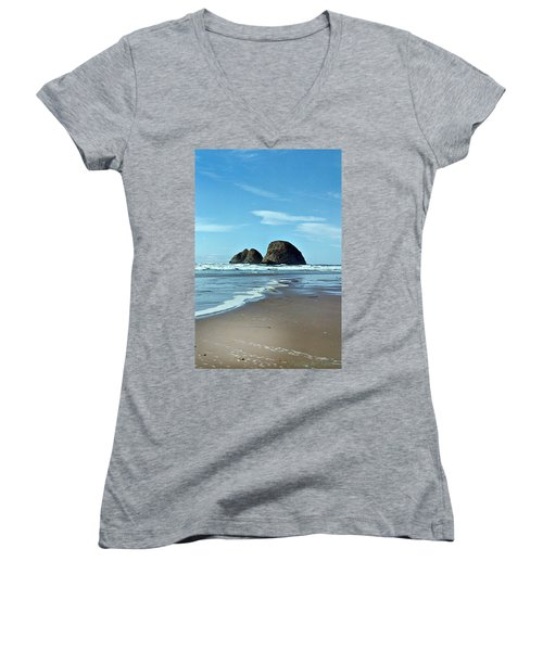 Oregon Coast 8 Women's V-Neck T-Shirt
