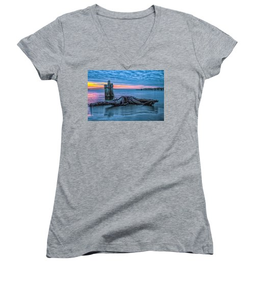 Oregon Inlet II Women's V-Neck