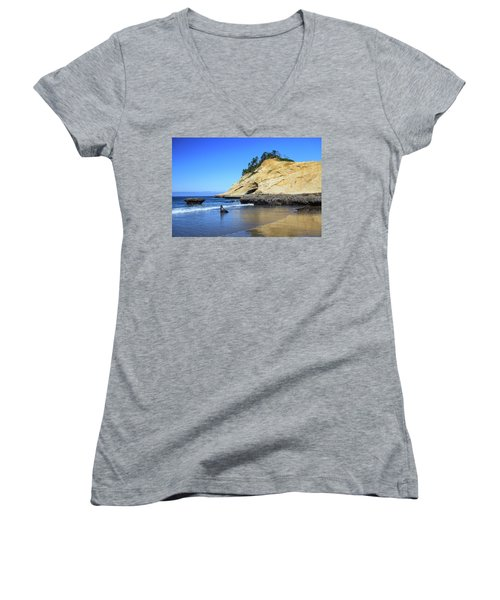Women's V-Neck T-Shirt featuring the photograph Pacific Morning by David Chandler