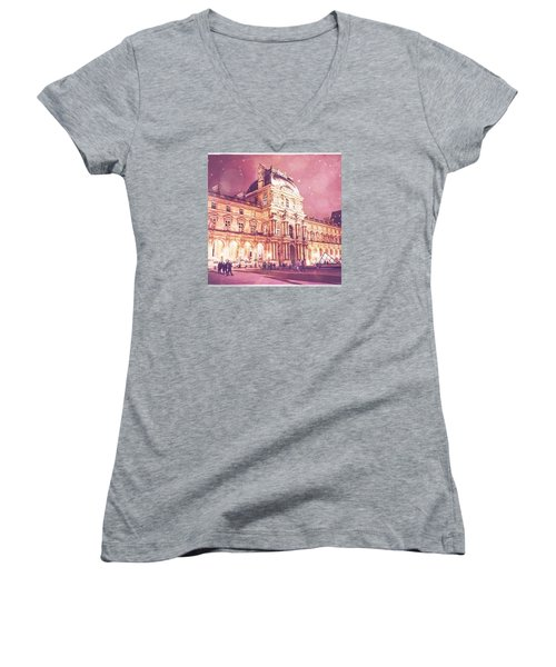 Palais Du Louvre En Rose Women's V-Neck T-Shirt (Junior Cut) by Aurella FollowMyFrench