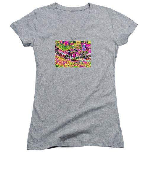 Pattern 319 _ Relax Women's V-Neck T-Shirt