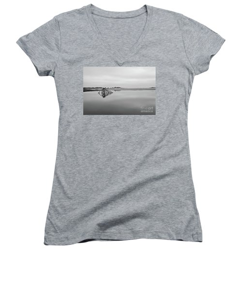 Peaceful Tidepool On The Outer Banks Bw Women's V-Neck T-Shirt (Junior Cut) by Dan Carmichael