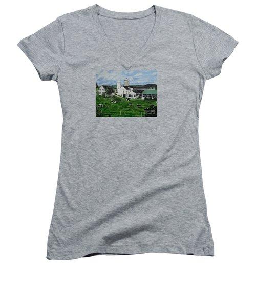 Pennsylvania Holstein Dairy Farm  Women's V-Neck T-Shirt