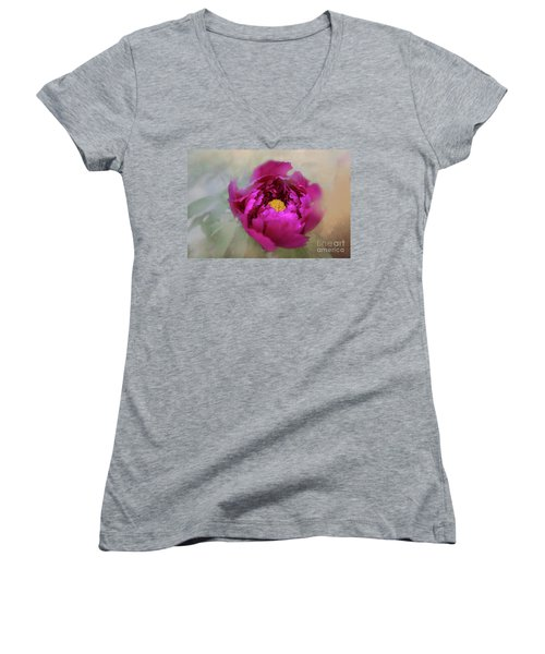 Peony Women's V-Neck T-Shirt