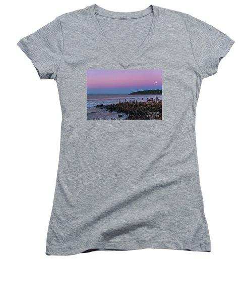 People Watch The Sun Set Women's V-Neck T-Shirt