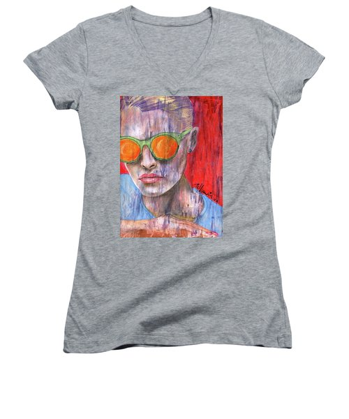 Peta Women's V-Neck T-Shirt