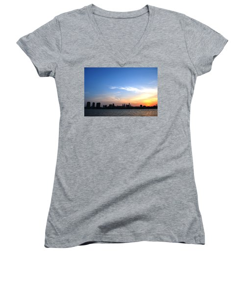 Philadelphia Skyline Low Horizon Sunset Women's V-Neck T-Shirt (Junior Cut)