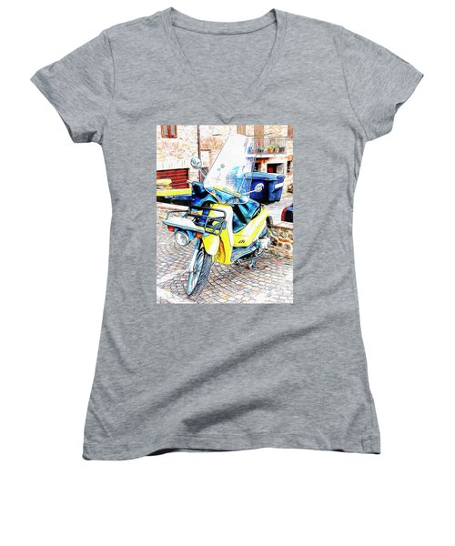 Piaggio Poste Italiene Women's V-Neck (Athletic Fit)