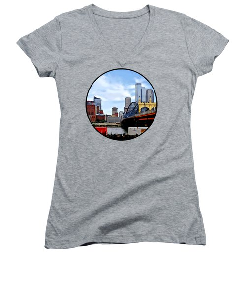 Pittsburgh Pa - Train By Smithfield St Bridge Women's V-Neck T-Shirt (Junior Cut) by Susan Savad