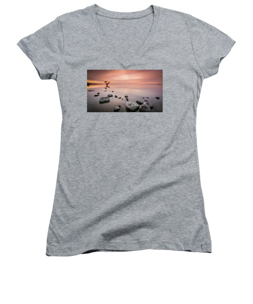 Plane And Colors Women's V-Neck