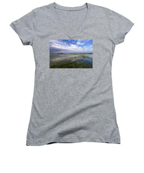 Ponquogue Bridge Springtime Women's V-Neck T-Shirt