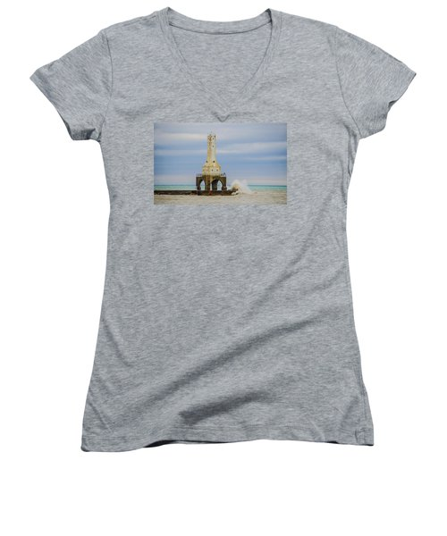 Port Washington Light 3 Women's V-Neck (Athletic Fit)