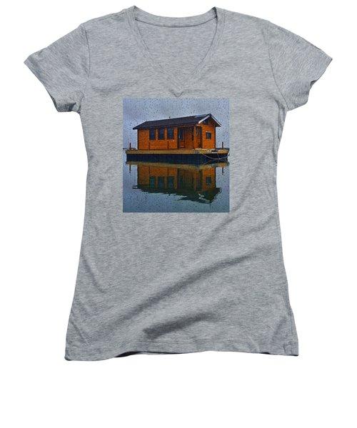 PR7 Women's V-Neck T-Shirt