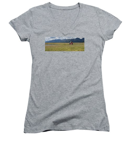 Women's V-Neck T-Shirt featuring the photograph Prairie Barn by Fran Riley