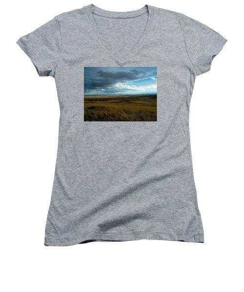 Prairie Storm Women's V-Neck T-Shirt (Junior Cut)