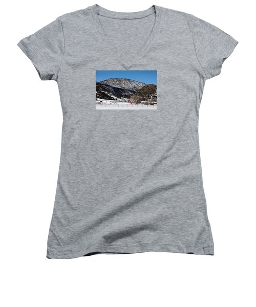 Pretty Red Barns From The Highway Between Aspen And Snowmass Women's V-Neck T-Shirt (Junior Cut) by Carol M Highsmith