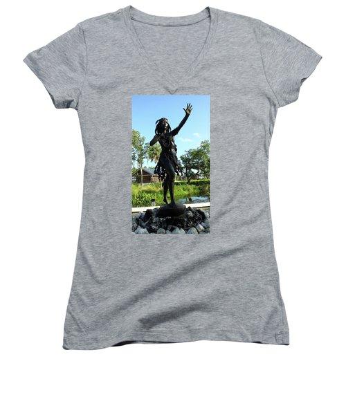 Princess Ulele Statue Women's V-Neck (Athletic Fit)