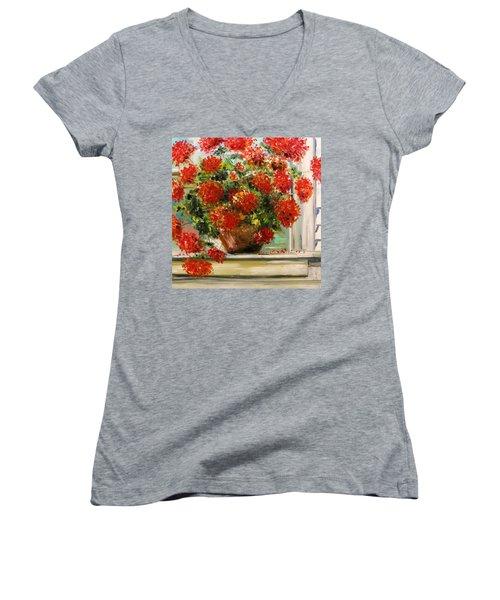 Prize Geranium Women's V-Neck T-Shirt
