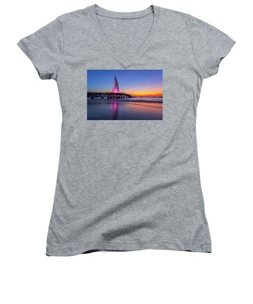 Puesta De Sol En La Playa De Los Murtos Women's V-Neck T-Shirt (Junior Cut) by Edward Kreis