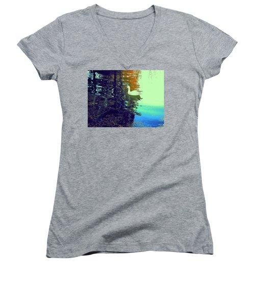 Quack Women's V-Neck T-Shirt