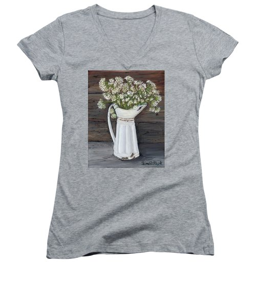 Queen Ann's Lace Women's V-Neck T-Shirt